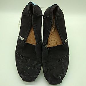 Kids TOMs black canvas 5.5 pre owned